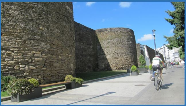 Exterior Muralla Romana de Lugo - Puerta S Pedro